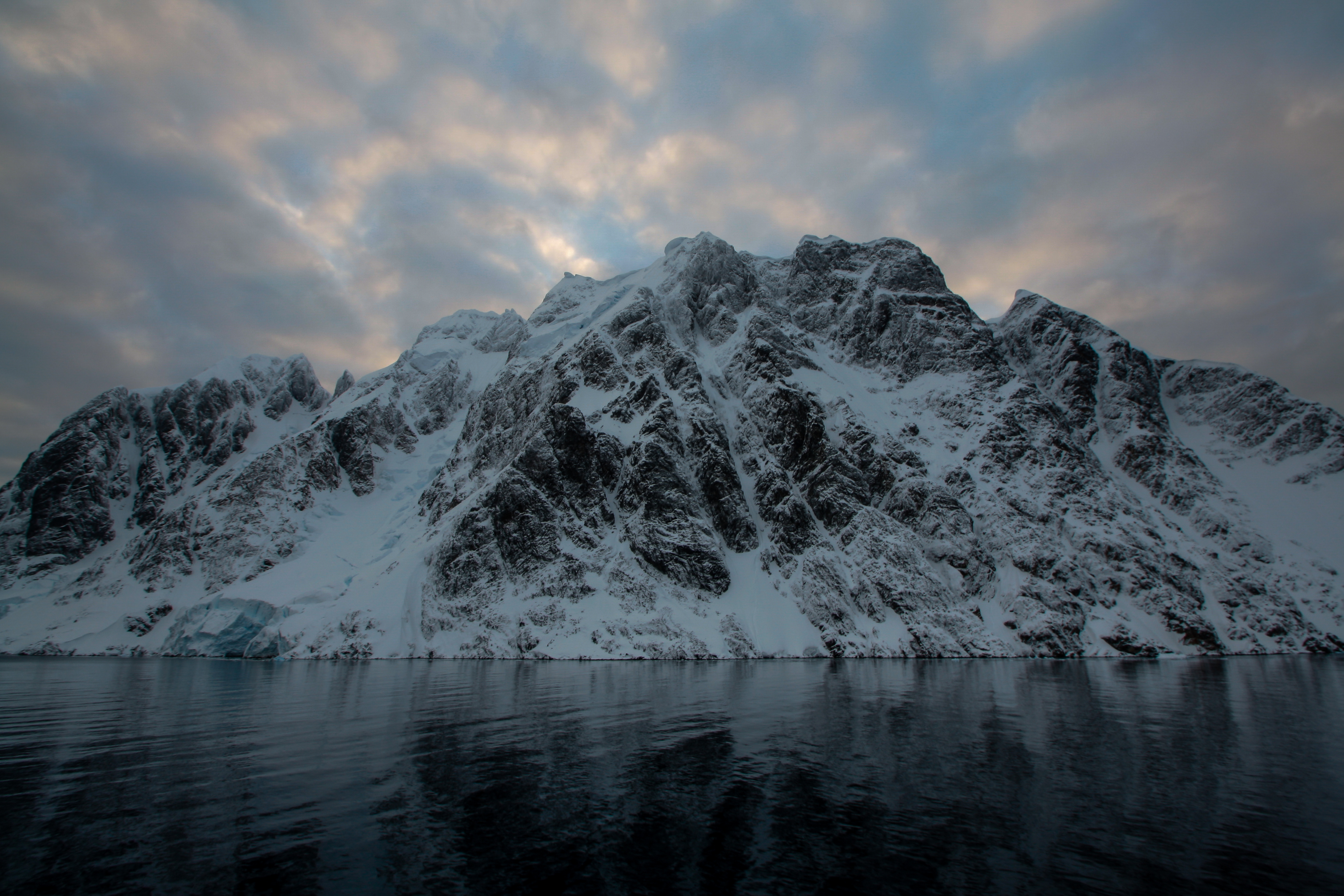 the gallery for gt antarctic mountains