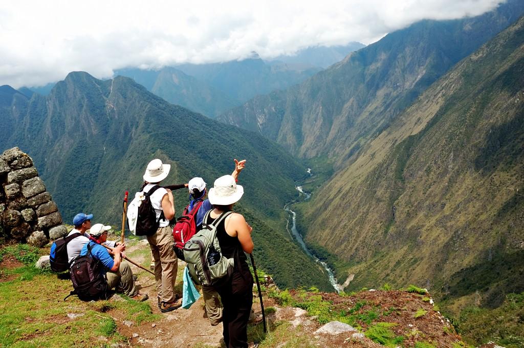 Inca_Trail_shutterstock_2433437