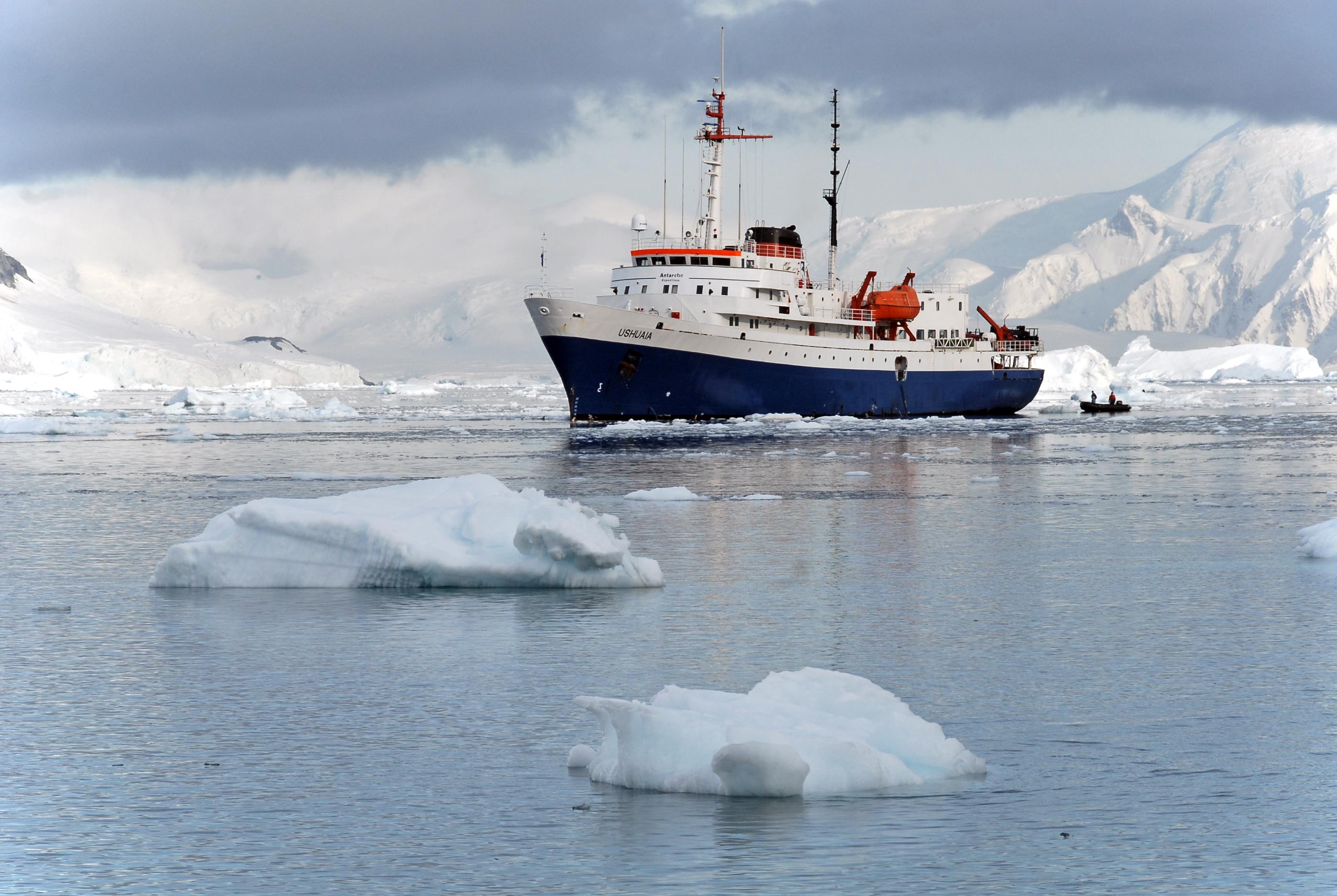 Cruise to Antarctica aboard the MV Ushuaia