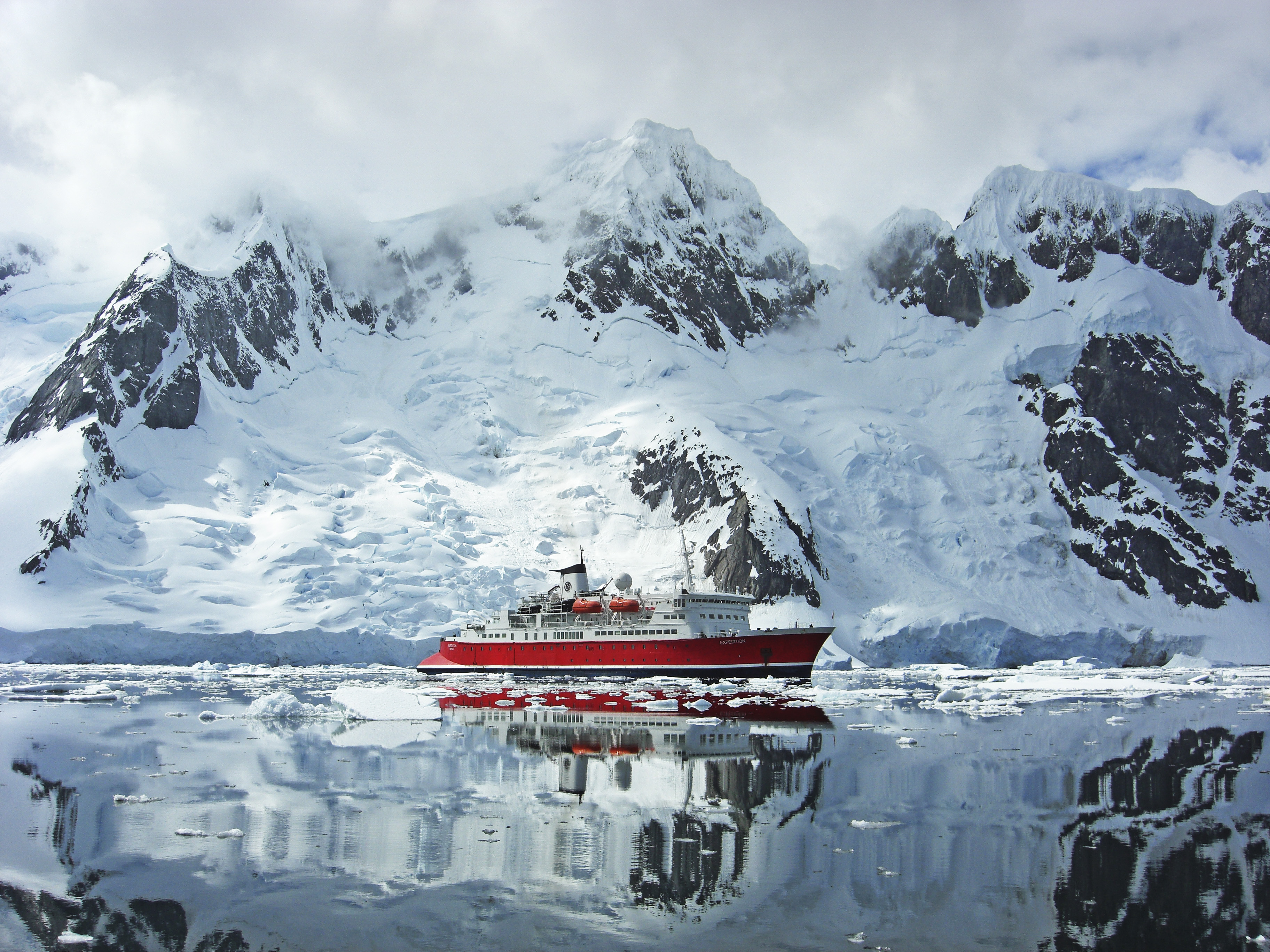 Cruise to Antarctica aboard the MS Expedition