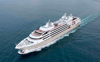 Travel to Antarctica in luxury aboard the Le Lyrial