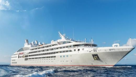 Travel in Luxury to Antarctica aboard the Le Lyrial