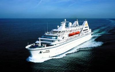 Cruise to Antarctica aboard the Ocean Diamond