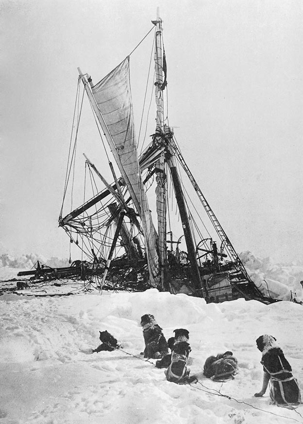 Endurance ship sinking in pack ice