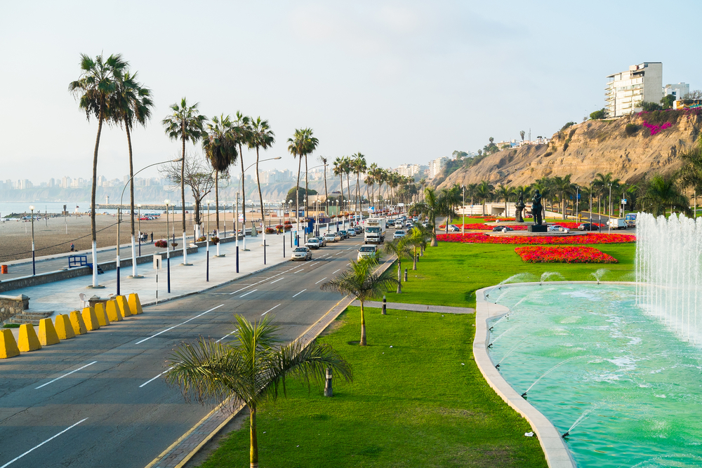 Waterfront with road and palmtrees barranco