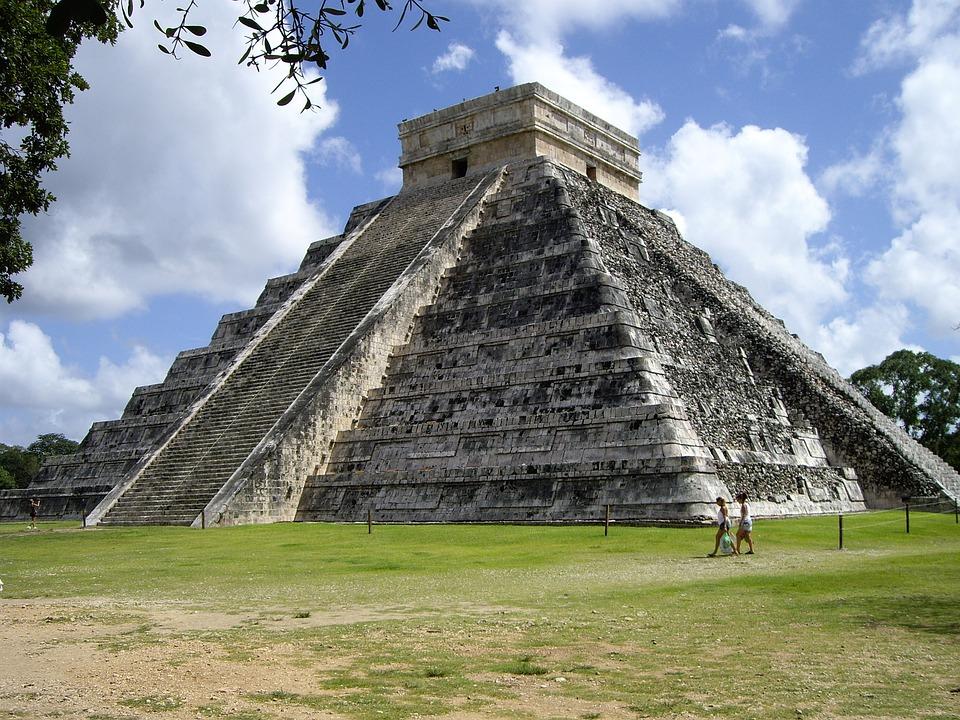 ancient ruin of the Chichen Itza in mexico