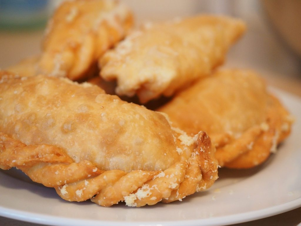 empanadas, traditional chile food