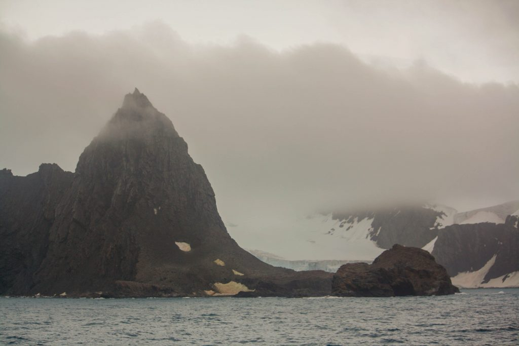 Point wild Elephant Island.