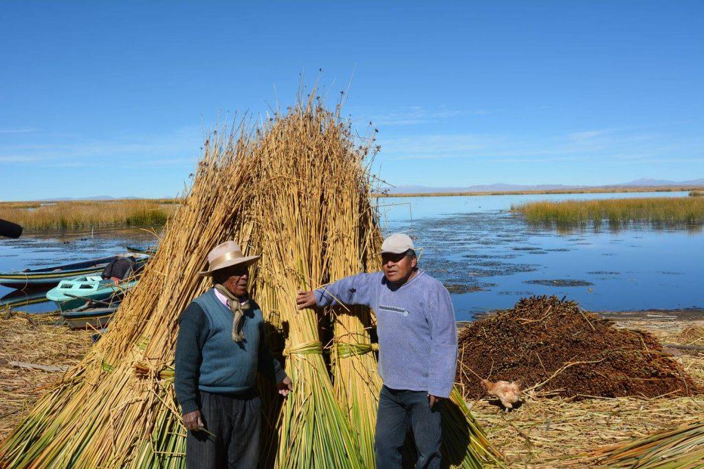 Reed Boat Builders: Juan Limachi (left) and Erik Catar
