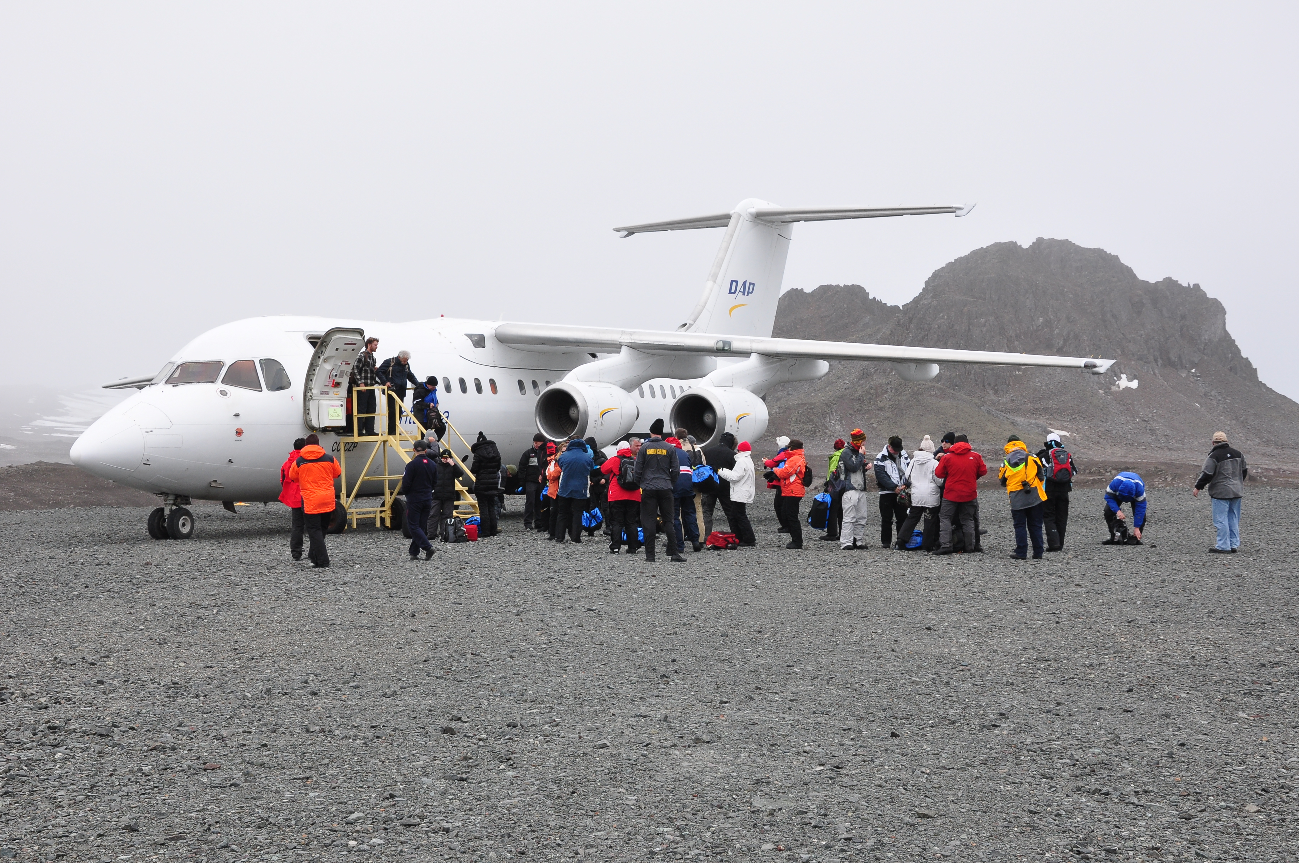 Fly and cruise to Antarctica with Chimu
