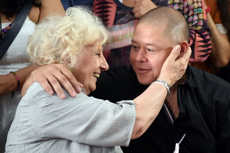 Mother and son reunited after 38 years of searching
