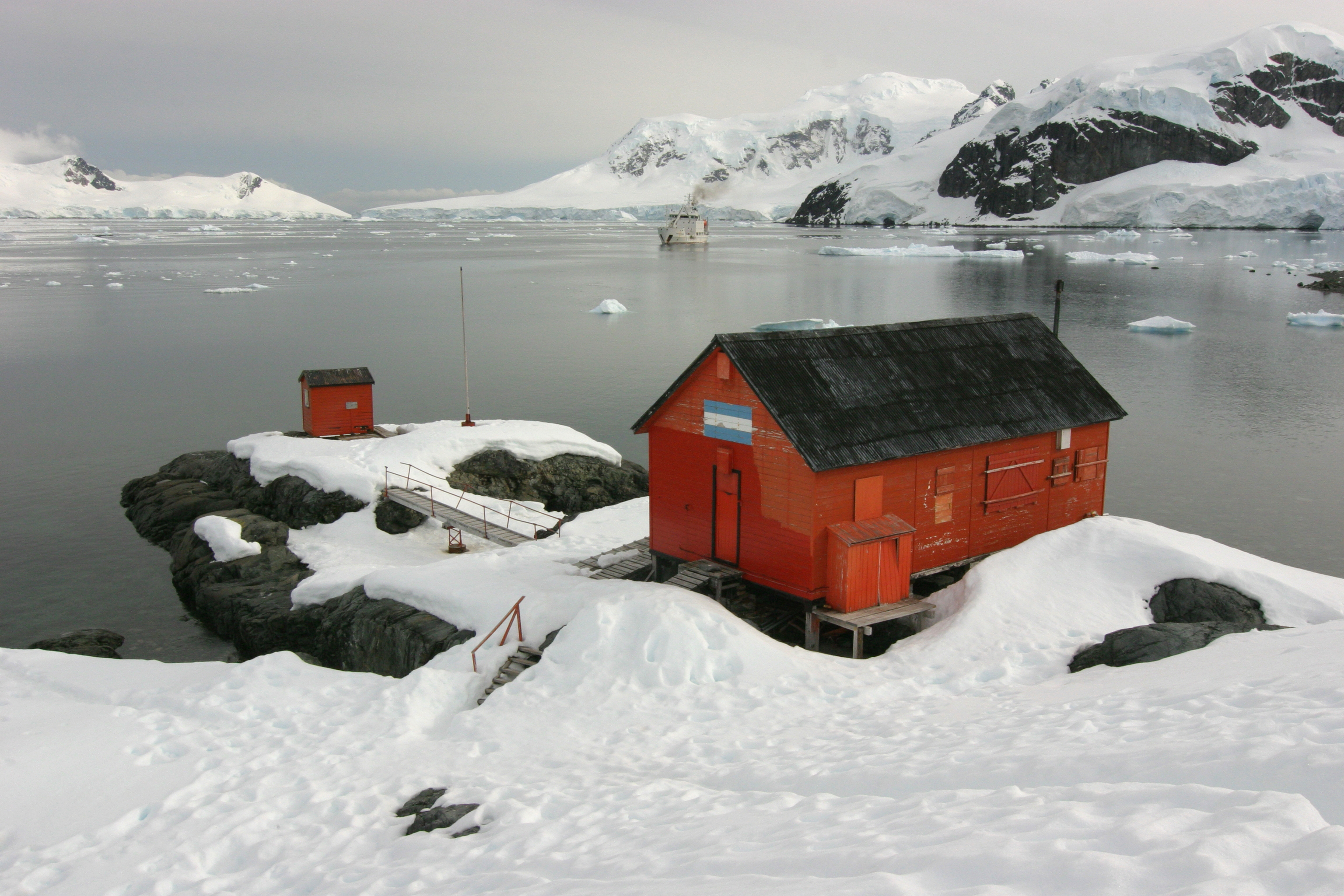 Get an inside in the work of the researchers on Antarctica.