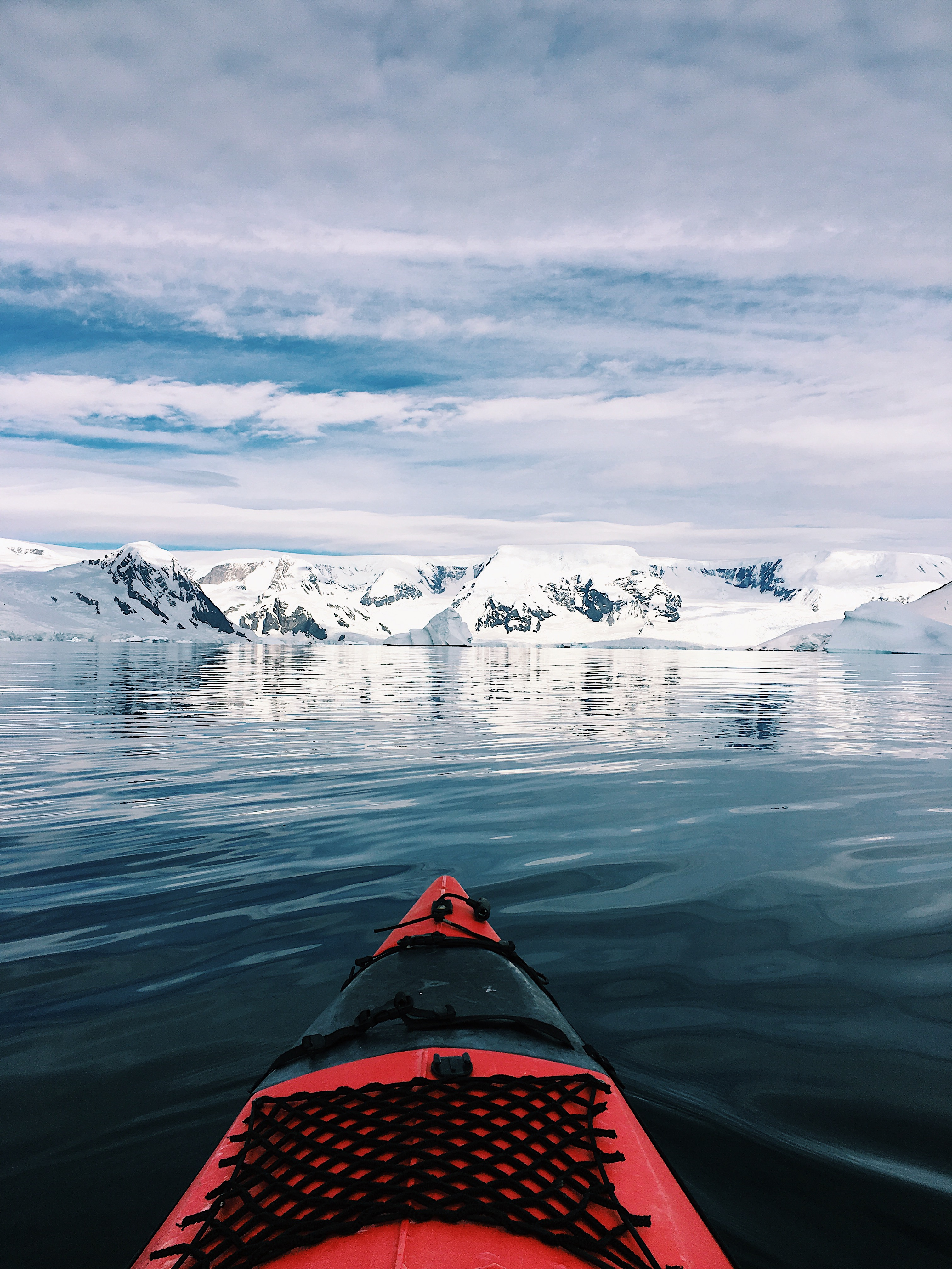 Sail forward and discover the beauty of Antarctica.