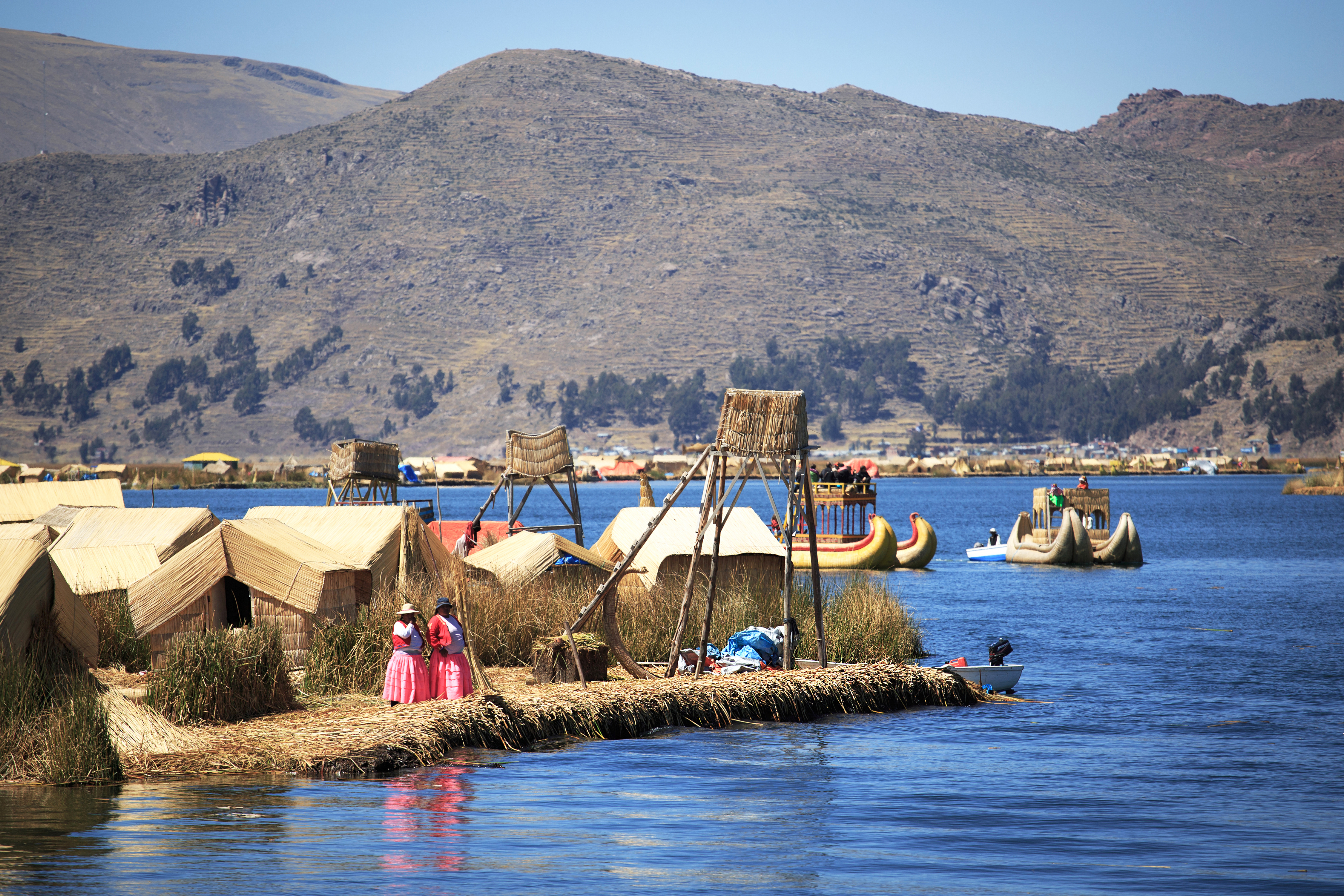 Huts Island Uros, Lago Titicaca, Puno, Peru