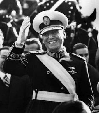 Perón with presidential sash