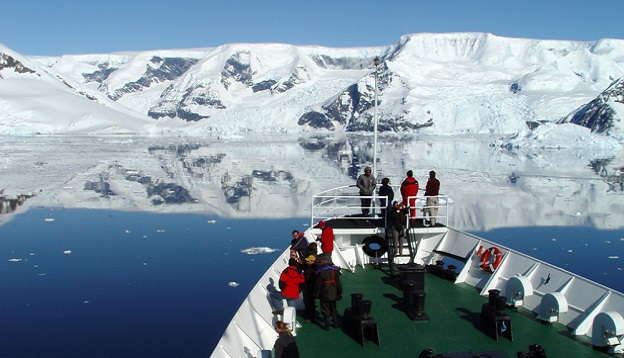 Expedition to Antarctica. Photo Credit: Shutterstock