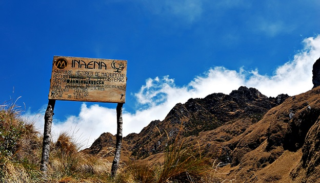 Sign along the Inca Trail. Photo Credit: Shutterstock