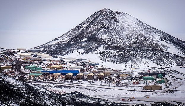 McMurdo base and Observation Hill. Photo Credit: Shutterstock