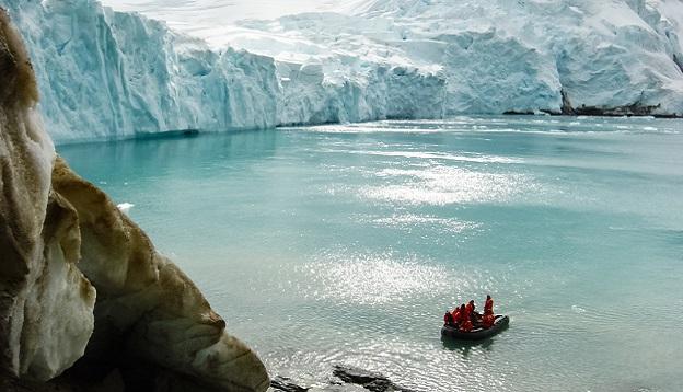 Coast of Antarctica. Photo Credit: Shutterstock