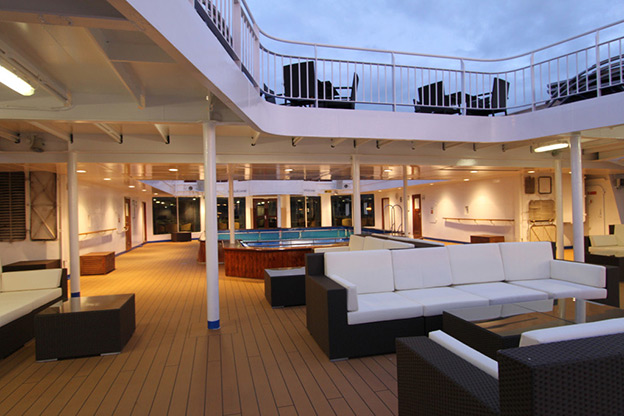 Lounges on the deck of the Ocean Endeavour